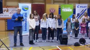 Zmagovalke predizbora Otroci pojejo slovenske pesmi in se veselijo Radia Ptuj v Sv. Tojici