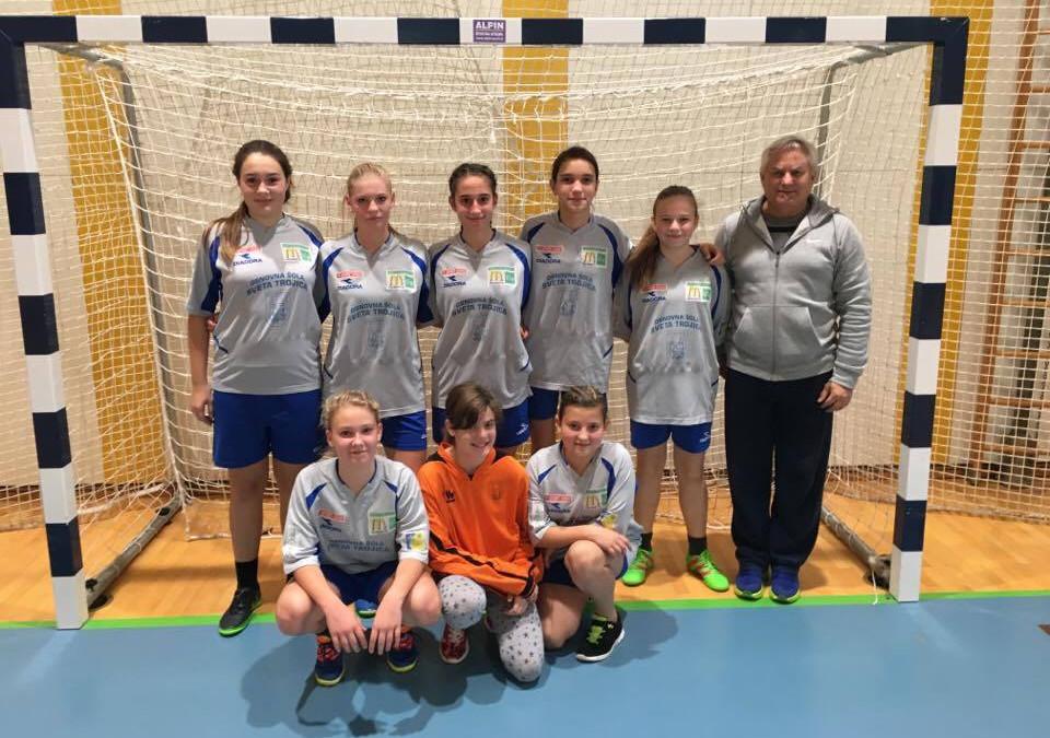 Dekleta ponovno uspešna v nogometu